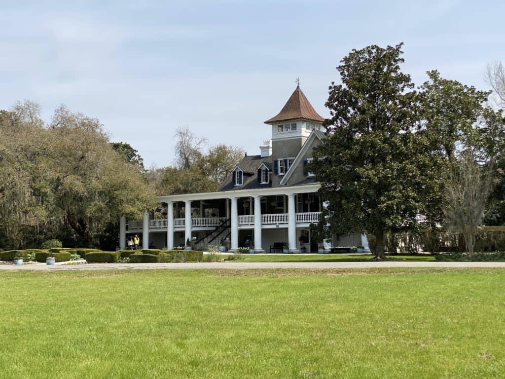 Large plantation house in South Carolina